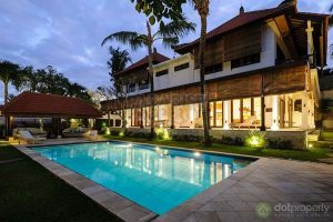 7-bedroom-villa-for-sale-in-canggu-badung