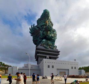 Garuda Wisnu Kencana statue