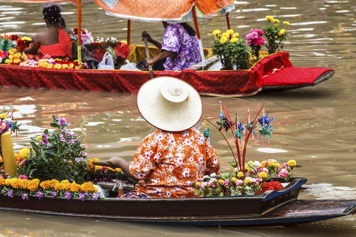 Floating Flower Market Bangkok.Five Fascinatingly Unique Markets In And Around Bangkok