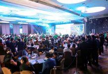 Hàng nghìn khách hàng đến tham dự chương trình